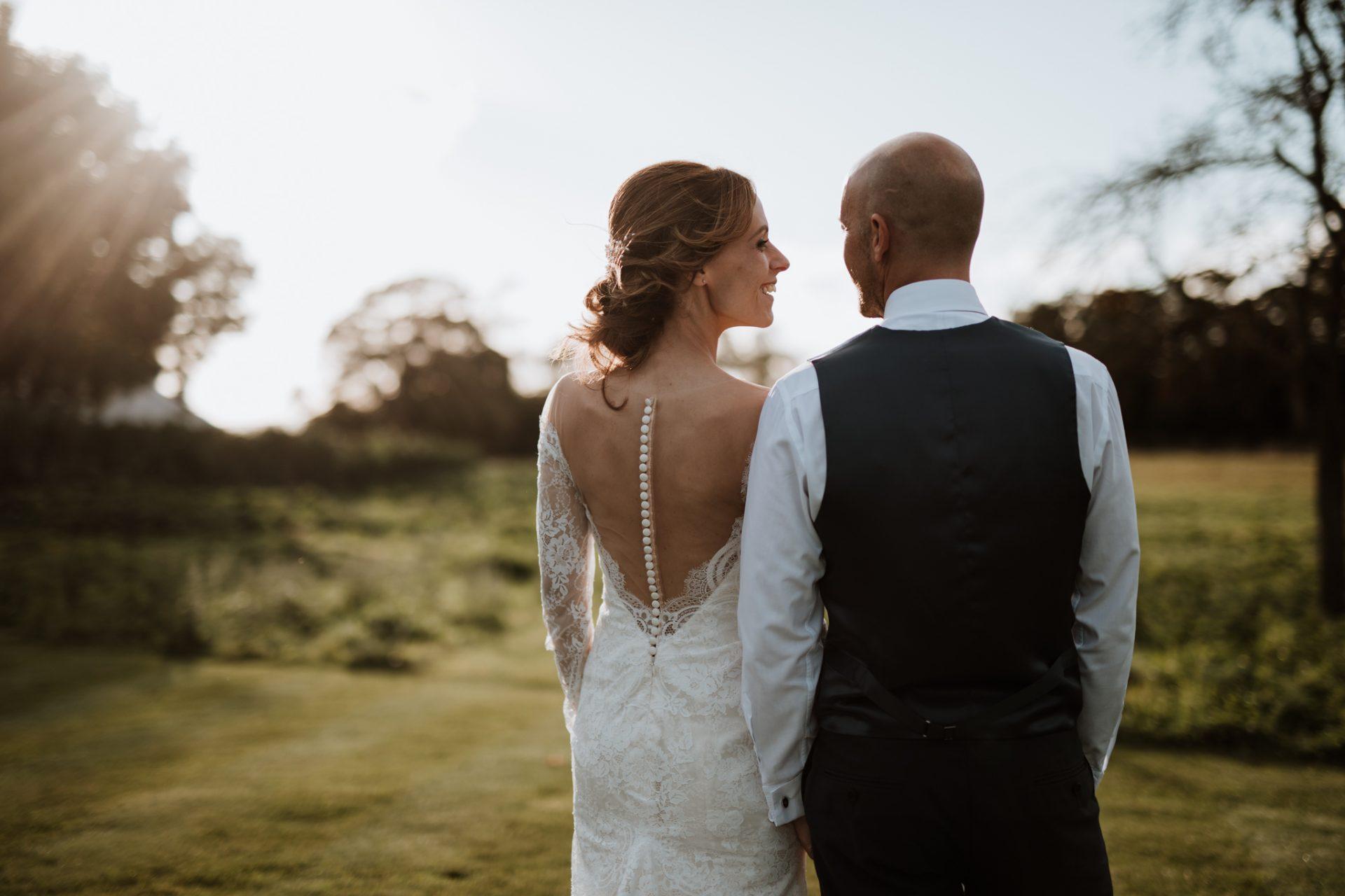 bride and groom golden hour