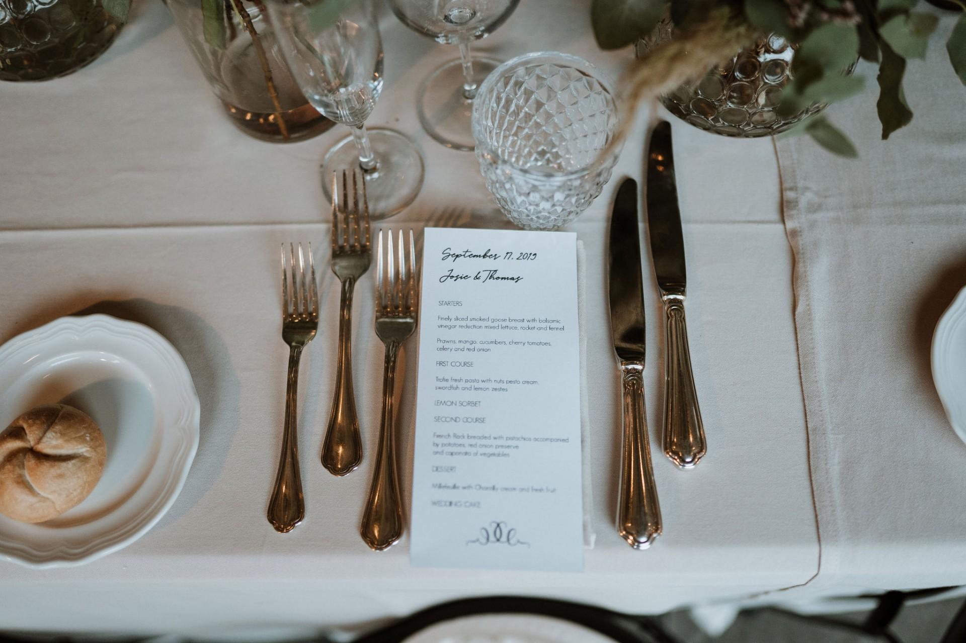 outdoor wedding breakfast table decoration